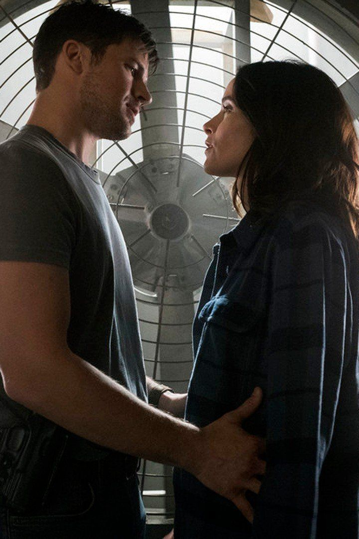 15 Causes We're Transport Wyatt and Lucy on Timeless