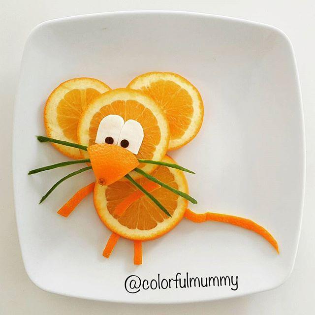 Little mouse is hungry, do you have any cheese?  Minik fare acıkmış, peyniriniz var mı?  Orange, cheese, olive, cucumber... Portakal, peynir, zeytin, salatalık... #orange #mouse #sundayfun #pazarkeyfi