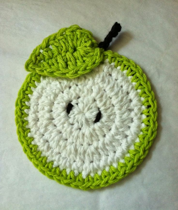 Lakeview Cottage Kids: Another FREE Crochet Coaster Pattern! Green Apple Coaster! ♡ •✿• Teresa Restegui http://www.pinterest.com/teretegui/ •✿•