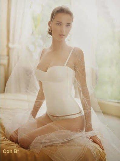 Lencería para novias en *Con B de Boda*  LA PERLA  https://conbdeboda.blogspot.com