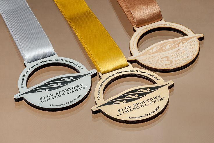Medale dla pływaków
