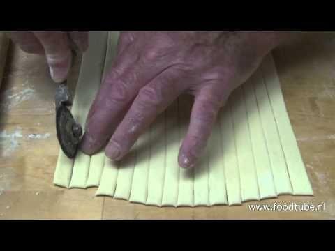 Holtkamps krakelingen - YouTube
