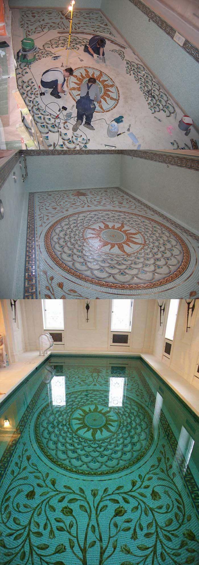 Скиммерный бассейн в загородном доме декорированный мозаикой с римскими мотивами.Поставка мозаичного декора-студия Артмонумент.СПб