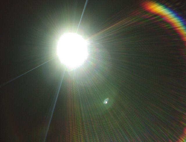 lens_flare1.jpg (640×488)