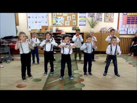 Chłopcy tańczą dla MAM!