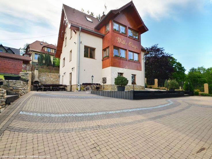 Komfortowe noclegi w malowniczej okolicy. Więcej: http://www.nocowanie.pl/noclegi/swieradow_zdroj/willa/116258/