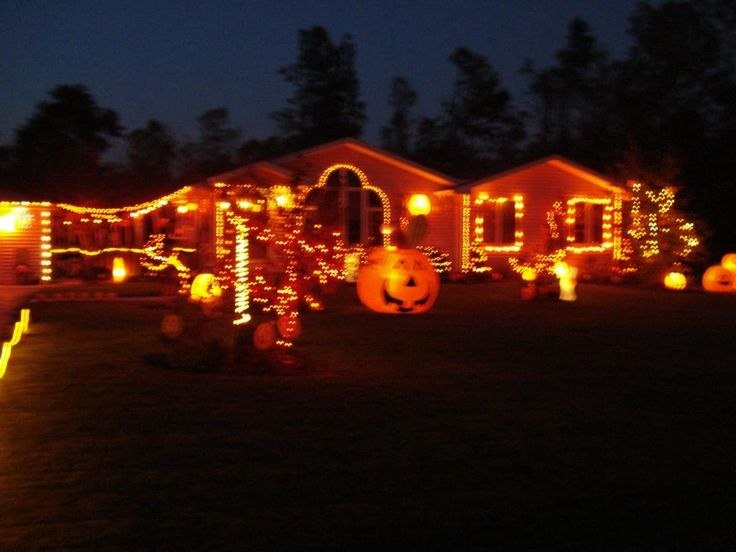 8 best images about houses at halloween on pinterest halloween decorated houses houses pictures