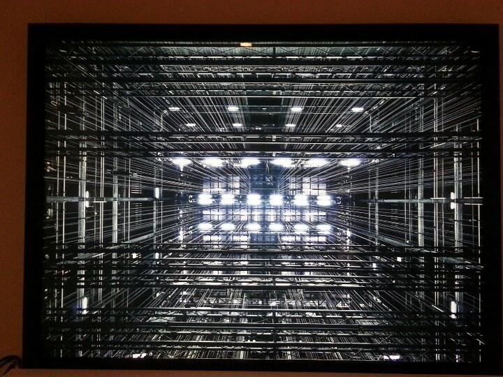 """""""La reina de la noche"""" Jose Manuel Ballester. Exposición """"Bosques de Luz"""". Arte Tabacalera Promoción del Arte. Madrid. #ArteContemporáneo #ContemporaryArt #Art #Arte #Arterecord 2013 https://twitter.com/arterecord"""