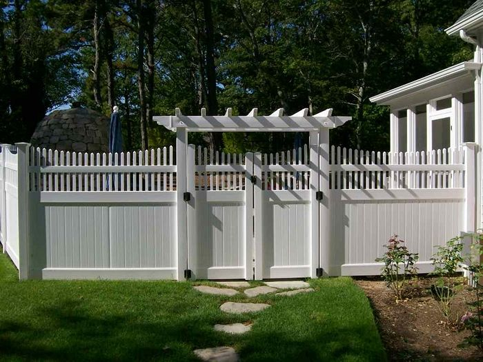 Transitioning 6ft privacy fence to 4ft privacy fence | Vinyl Arbor Fence With Gate