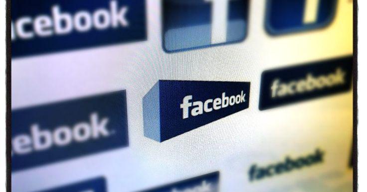 Cómo enviar mensajes de texto desde Facebook. El envío de mensajes es una de las funciones más antiguas de Facebook. Esta función te permite enviar un mensaje privado a otro miembro de la comunidad, algo muy parecido a un correo electrónico. Sin embargo, lo que muchas personas no se dan cuenta es que pueden enviar mensajes de texto a los usuarios que tienen asociados sus números de teléfonos ...