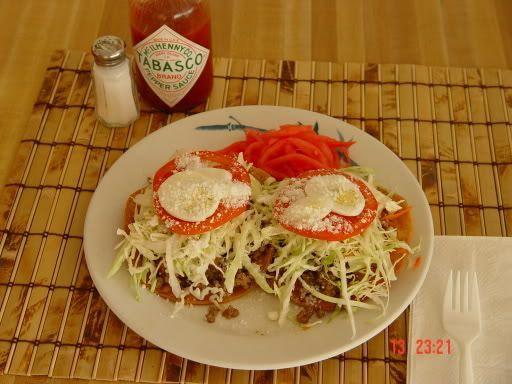 Comidas Tradicionales de honduras.  Topopostes o tustacas Las Rosquillas Son un producto gastronómico tradicional de Honduras, sus Materias...