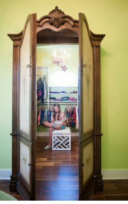 Secret passage. ..Narnia Wardrobe  Awesome!