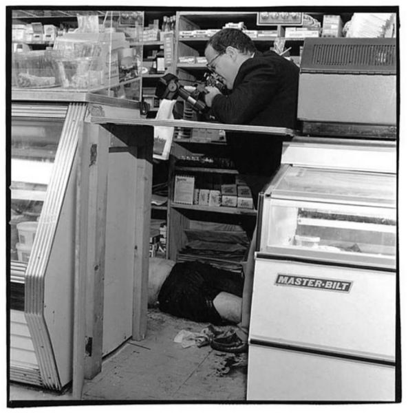 boulots insolites photographe de scene de crime   Ces boulots insolites   travail photo Nancy Rica Schiff job image boulot