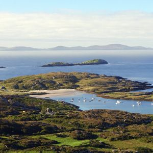 Enjoy the beautiful views along the Ring of Kerry on a 6 day tour of Ireland.
