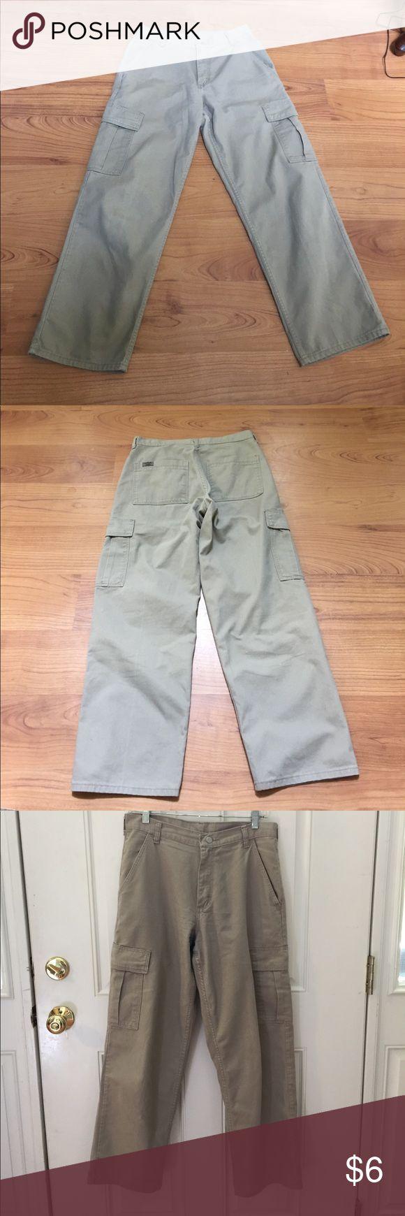 """Wrangler green chinos or khaki pants 29""""x 30"""" men Wrangler chinos  beige 29"""" x 30"""" in good used Wrangler Pants Chinos & Khakis"""