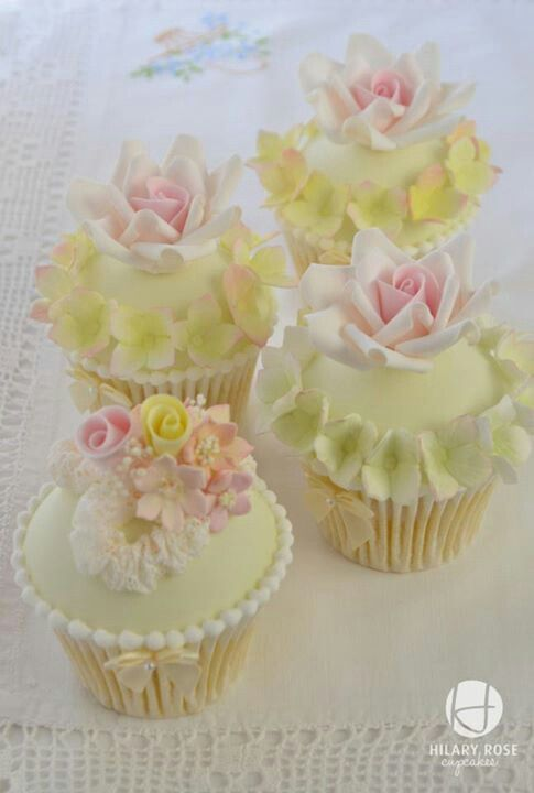 Cupcakes. ..Cupcakes Ideas, Keepsake Corsage, Vintage Lace, Wedding Cupcakes, Flower Cupcakes, Rose Cupcake, Cups Cake, Pastel Cupcakes, Strawberries Shortcake