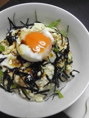 「タモリさんオススメ★豆腐どんぶり」ヘルシー豆腐丼です。私も旦那もぺろりと食べちゃいました♪【楽天レシピ】