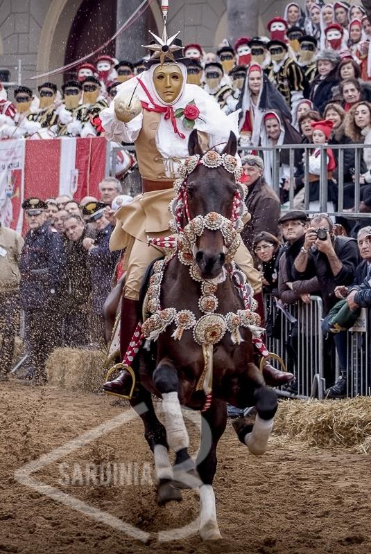 #sartiglia #costume #tradition #componidori #horsers #race #competition # corsa #cavalli #evento #dress #sardinia #oristano #tradizione #costumetradizionale