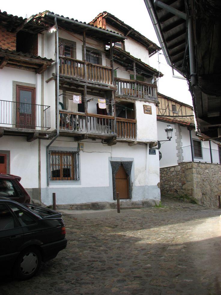 Candelario posee muestras de la arquitectura tradicional de montaña en perfecto estado de conservación.