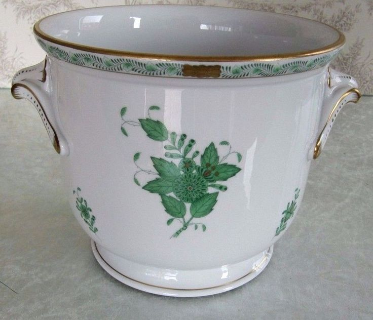 Herend Green Chinese Bouquet Hand Painted Porcelain Planter Cachepot 7212/AV