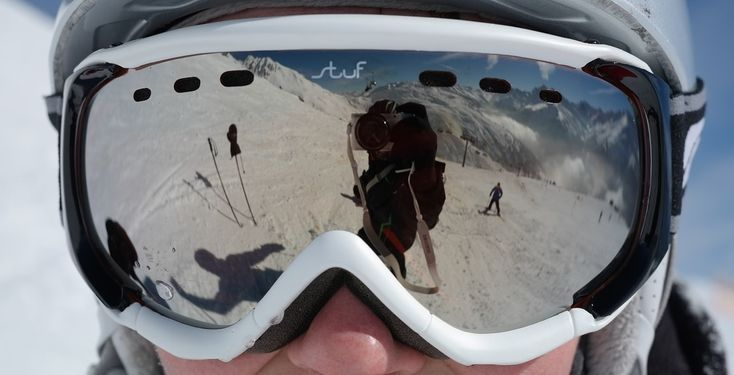 Top 10 Best Ski Goggles of 2017 - Reviews - https://www.thelakeandstars.com/best-ski-goggles/