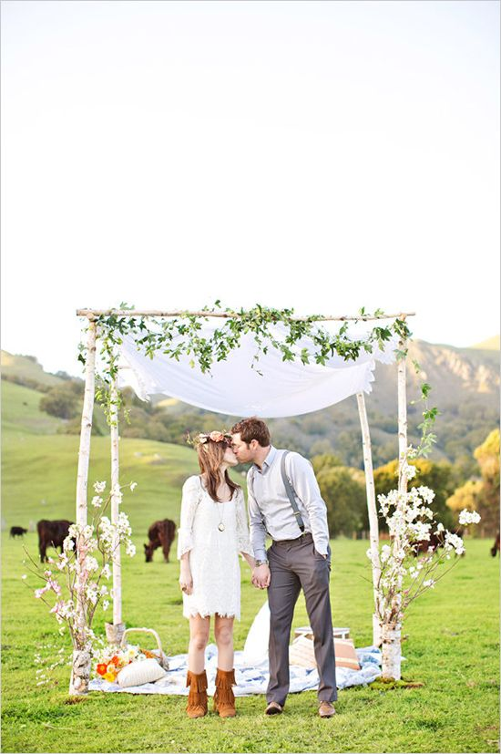 A Ranch Wedding In The Hills. Captured By: Brooke Beasley and Gina Petersen #weddingchicks http://www.weddingchicks.com/2014/07/17/run-for-the-hills-and-get-married/