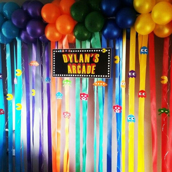 Using pinterest for inspiration! This is the actual display made from pinterest research for Dylans barmitzvah. #barmitzvahballoons #arcadetheme #pacman #spaceinvaders