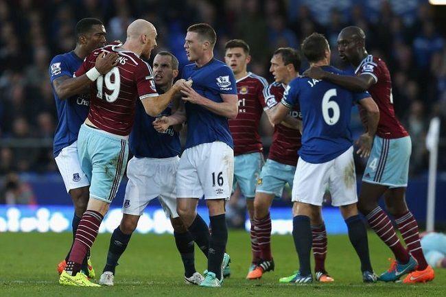 Brutalny faul Jamesa McCarthy'ego w Premiership • Everton vs West Ham • Amalfitano ostro sfaulowany przez McCarthy'ego • Zobacz >>