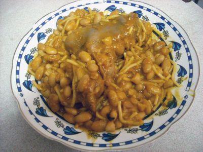 How to make porotos con riendas (Chile recipe) or white beans with spaghetti #recipes #vegetarian