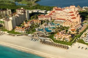 cancun-shuttle-to-omni-cancun-hotel-villas - #cancun #travel #transportation