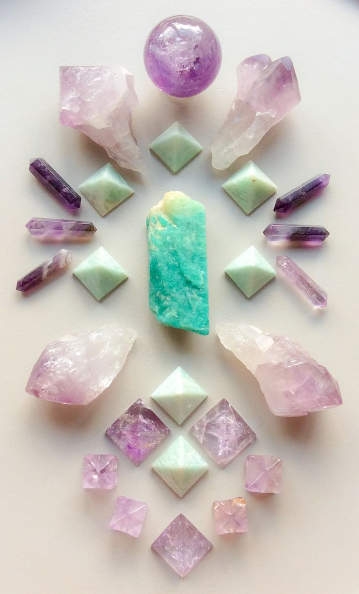 Beautiful Crystal Grid ༺♡༻  Amazonite and Amethyst by Woodlights Woudlicht