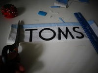 how to make a wallet out of a TOMS flag.
