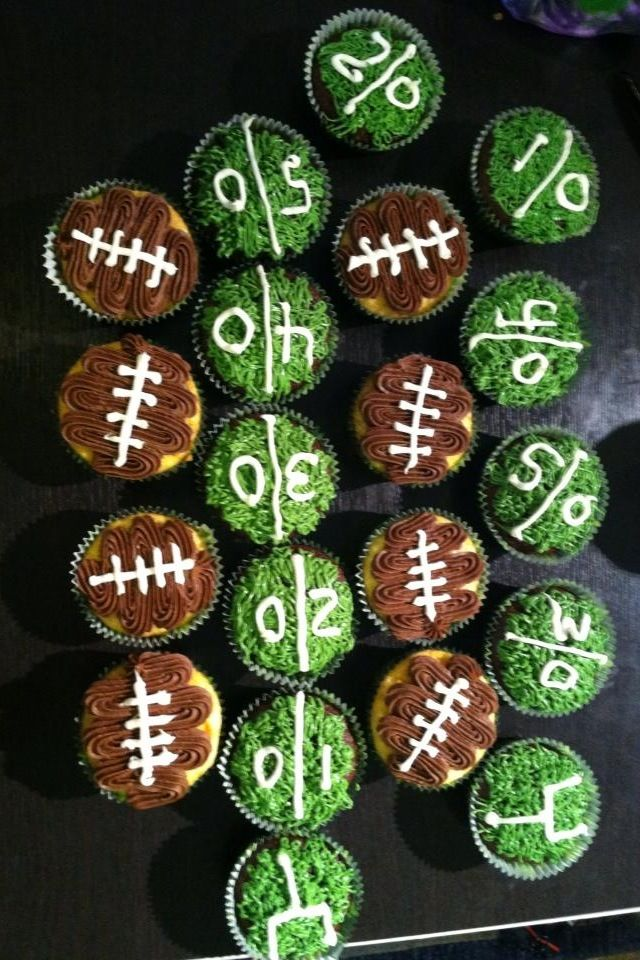 Football cupcakes #HomeBowlHeroContest
