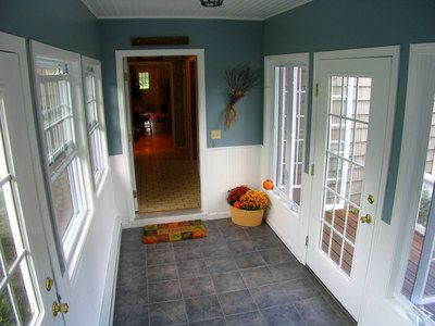 Enclosed breeze way from garage to house