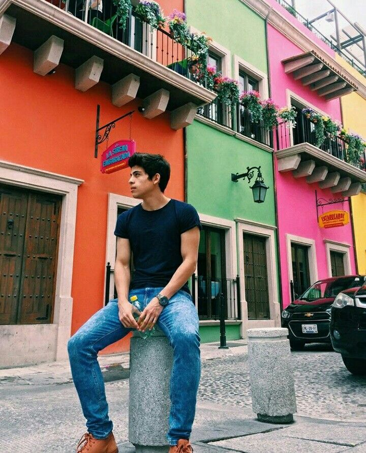 Alberto Villarreal  http://www.instagram.com/albertovill
