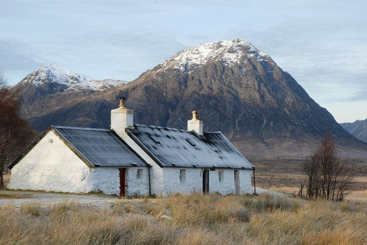 Comprehensive free route guide to the West Highland Way - the most popular long distance walk in Scotland. Includes free OS maps and descriptions of every stage.