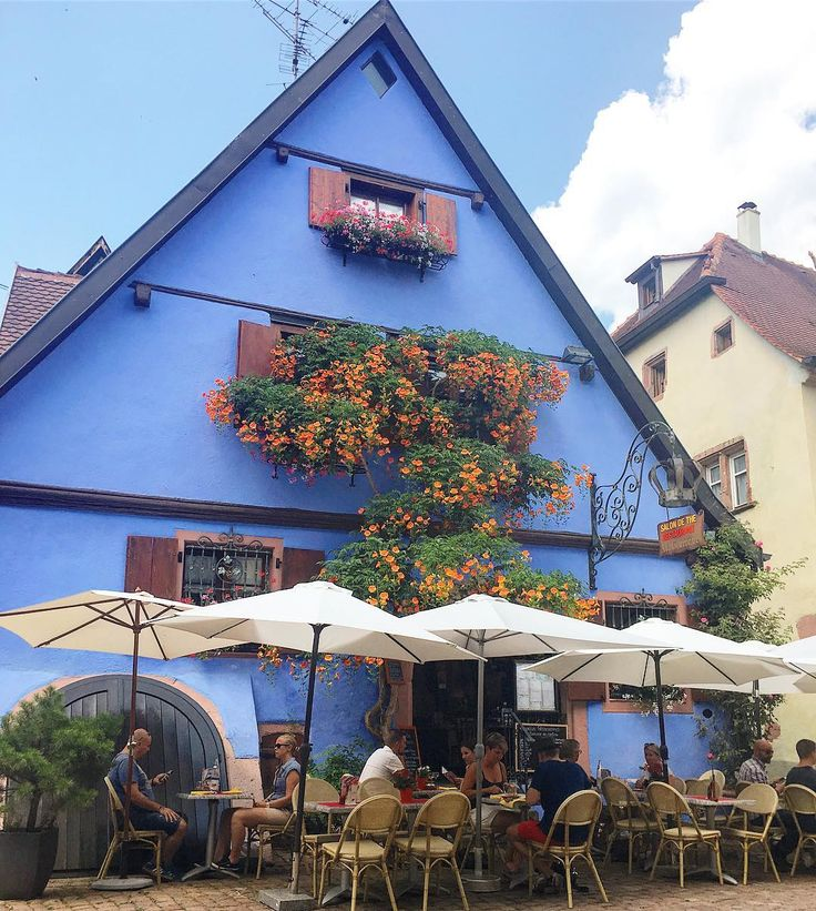 Weekend lunch spot🍴Riquewihr is one of the prettiest little villages I've been too. In love with the colorful houses, the wines and the flowers in full bloom everywhere🌸❤️ . . . #riquewihr #alsace #france #frenchvillage #frencharchitecture #beautifuldestinations #beautifulview #coloredhouses #lunchdate #saturdaywellspent #wineregion #wineroutes #travel #travelblog #travelblogger #travelgirl #travelmore #travelphotography #potd #zolaeurotravel #wanderlust #wanderingwardrobes