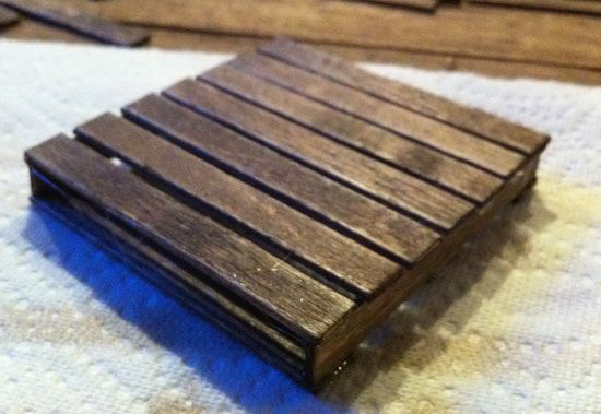 so cool! I must make this! http://removeandreplace.com/2013/06/06/how-to-make-a-mini-pallet-coaster-for-your-pallet-coffee-table/