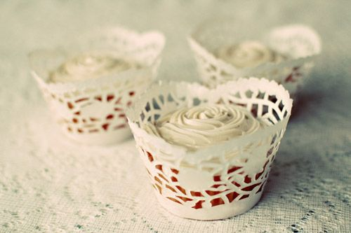 paper doilie cupcake wrappers: Cupcake Wrappers, Craft, Doilies, Cupcakes, Wedding Ideas, Diy Cupcake