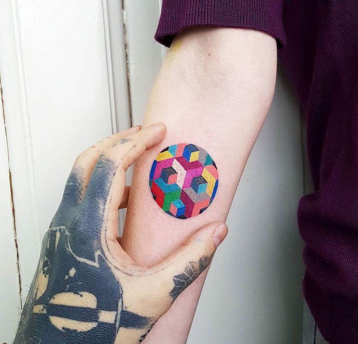 Geometric tattoo color