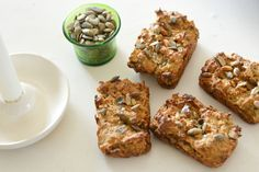 Minirugbrød med hvidkål og gulerod