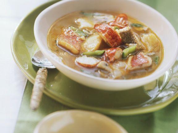 Hummerschwänze in Fischsuppe mit Zuckerschoten ist ein Rezept mit frischen Zutaten aus der Kategorie Hummer. Probieren Sie dieses und weitere Rezepte von EAT SMARTER!