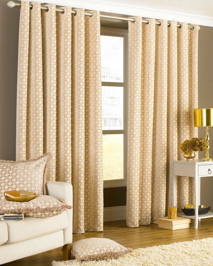 Discard the need for fiddly hooks with the Belmont EyeletCurtain. Its eyelet header makes it easy to attach to curtain poles, whilst its three available sizes
