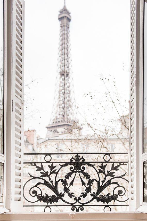 Paris photographie - après-midi d'hiver, Paris, balcon orné de fer, volets roulants, Architecture voyage photographie, Art grand mur, Decor Français