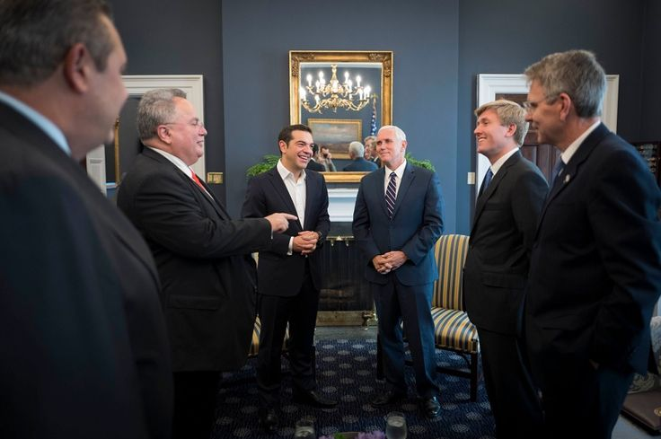 Συνάντηση με τον Αμερικανό αντιπρόεδρο, Μάικ Πενς, είχε σήμερα ο πρωθυπουργός, Αλέξης Τσίπρας, στον Λευκό Οίκο.…