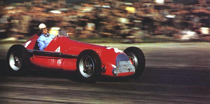 #2 Giuseppe Farina (Ita) - Alfa Romeo 158 (Alfa Romeo 8S) 1 (1) Alfa Corse / SA Alfa Romeo