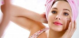 Pimples or acne are the worst nightmares a girl can suffer especially during her teenage. Here are 21 effective ways given on how to avoid pimples. Follow for a beautiful skin,