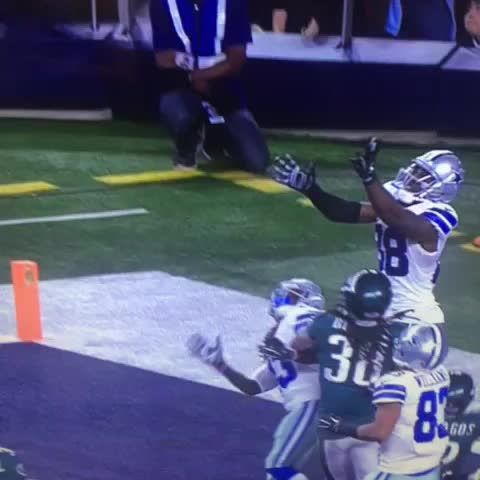 VIDEO: Dez Bryant makes incredible leaping TD catch
