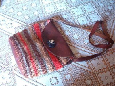 borsa cuoio e cotone lavorata ad uncinetto
