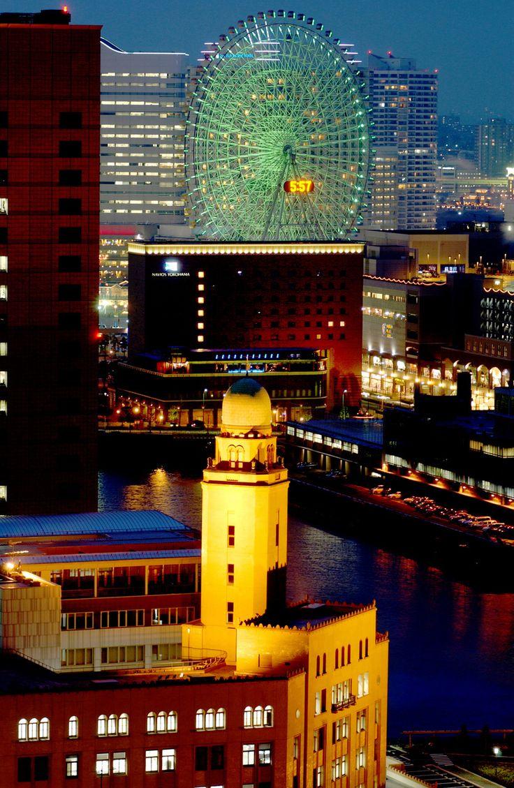 横浜税関本館庁舎(クイーン)の夜景 みなとみらい 横浜三塔 ナイトビュー レトロ建築
